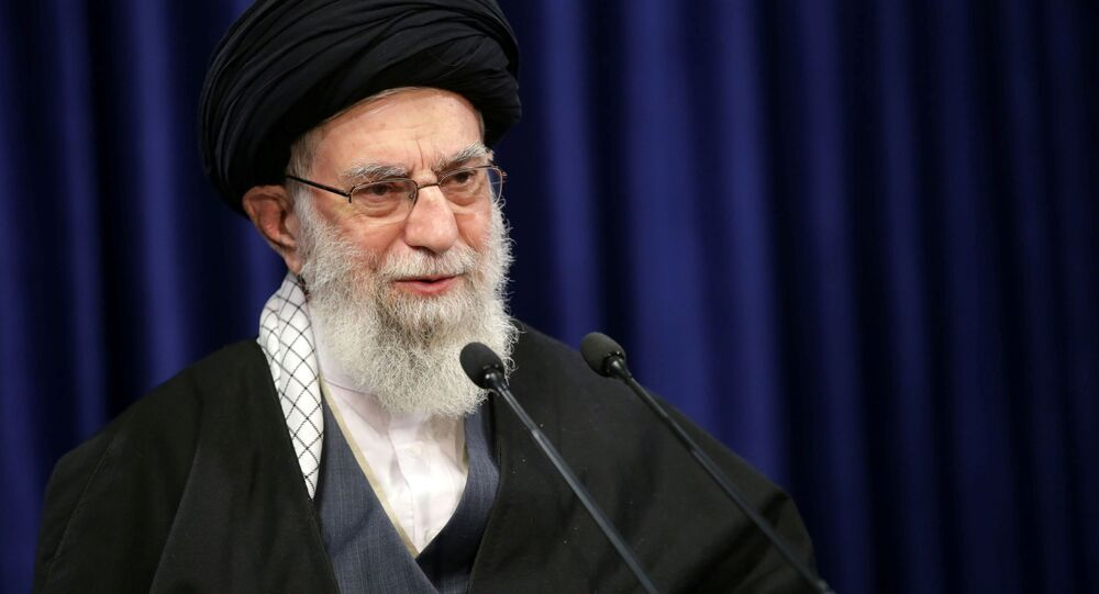 Aiatolá Ali Khamenei, líder supremo do Irã, discursa em Teerã, Irã, 8 de janeiro de 2021
