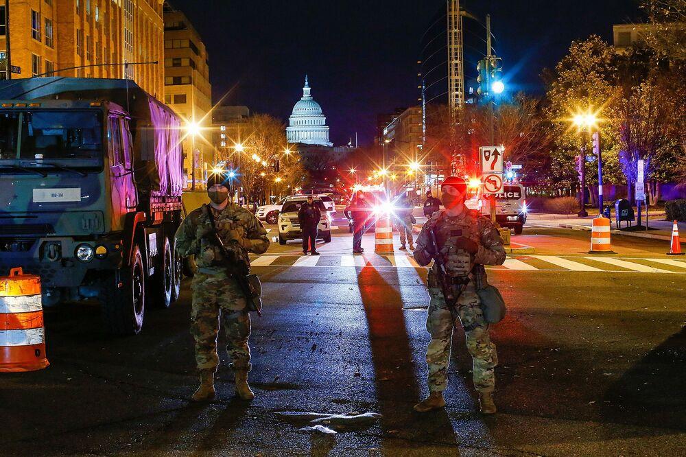 Guarda Nacional vigia cidade de Washington dias antes da tomada de posse do presidente eleito Joe Biden