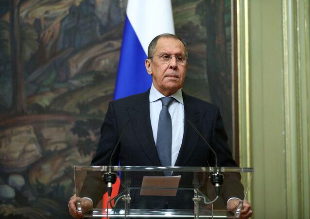 Sergei Lavrov, ministro das Relações Exteriores da Rússia, participa de coletiva de imprensa com seu homólogo da Arábia Saudita em Moscou, Rússia, 14 de janeiro de 2021
