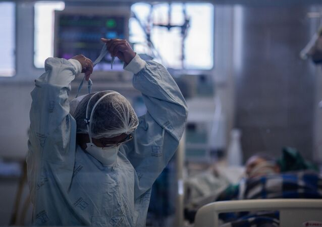 Paciente de COVID-19 internado no Instituto de Infectologia Emílio Ribas, em São Paulo (arquivo)