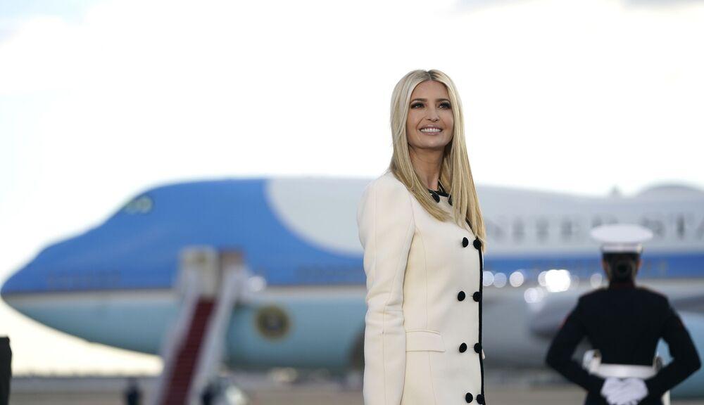 Ivanka Trump chega à base aérea Andrews em Maryland, Estados Unidos, 20 de janeiro de 2021