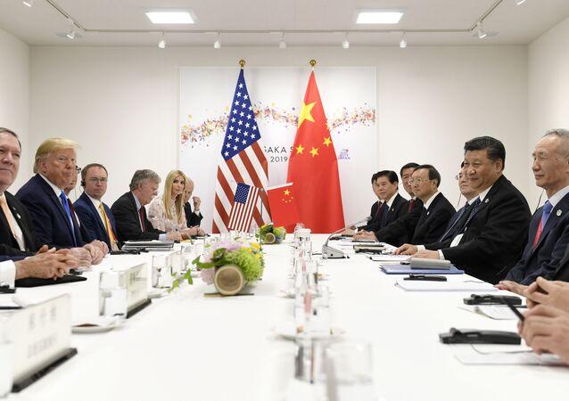 Representantes dos EUA e da China se encontram em reunião à margem da cúpula do G20 em Osaka, Japão, 29 de junho de 2019