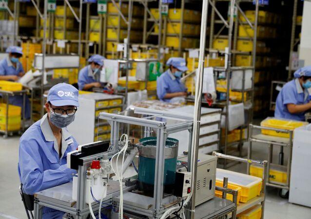 Fábrica de componentes em Pequim, na China