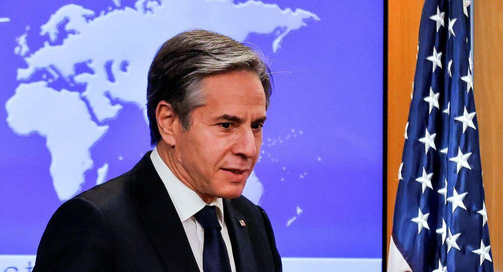 Novo secretário de Estado norte-americano, Antony Blinken, conduz sua primeira coletiva de imprensa no cargo, Washington, EUA, 27 de janeiro de 2021