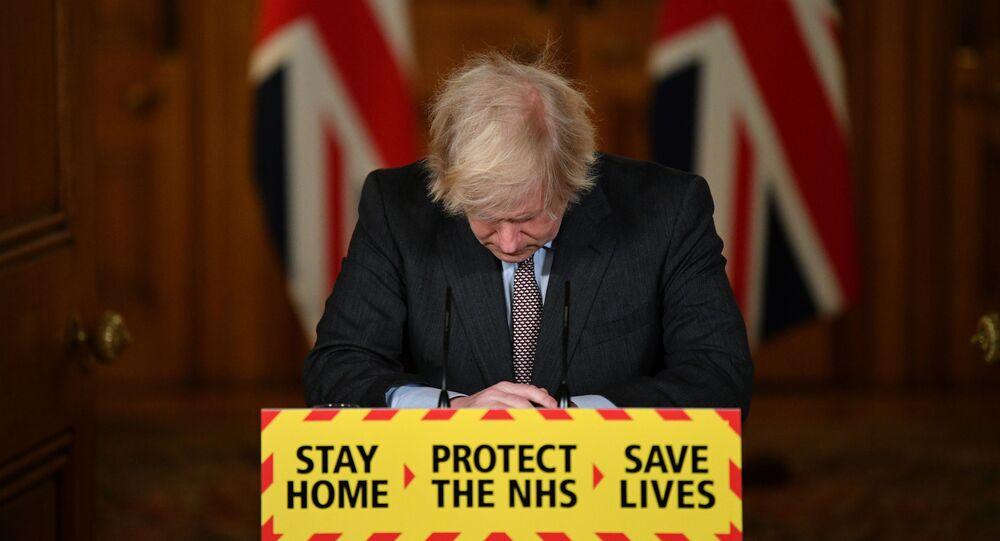 Premiê britânico, Boris Johnson, durante coletiva de imprensa, em sua residência oficial, em Downing Street, Londres, Reino Unido, 26 de janeiro de 2021