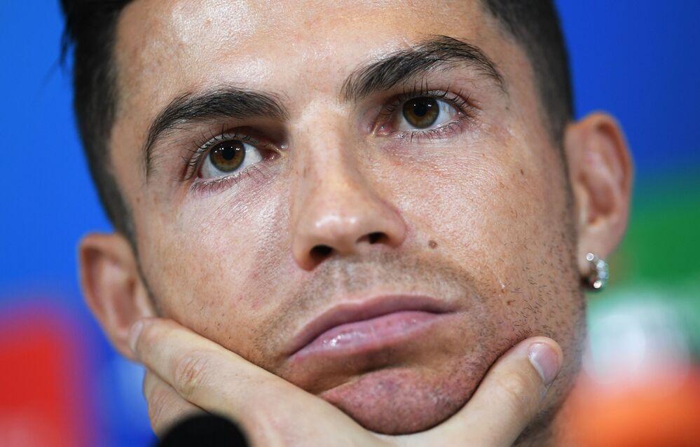 Cristiano Ronaldo fala com a imprensa antes do confronto entre Juventus e Lokomotiv Moscou, em Turim, na Itália, pelo grupo D da Liga dos Campeões, em 21 de outubro de 2019.