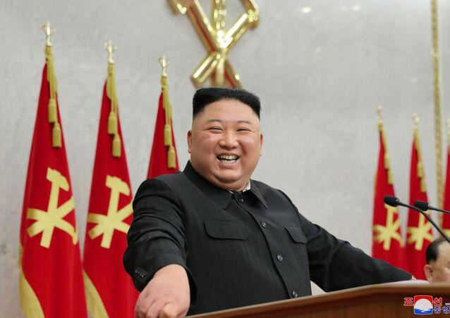 Líder norte-coreano, Kim Jong-un, durante plenária do Comitê Central do Partido Comunista norte-coreano, em Pyongyang, Coreia do Norte, 8 de fevereiro de 2021