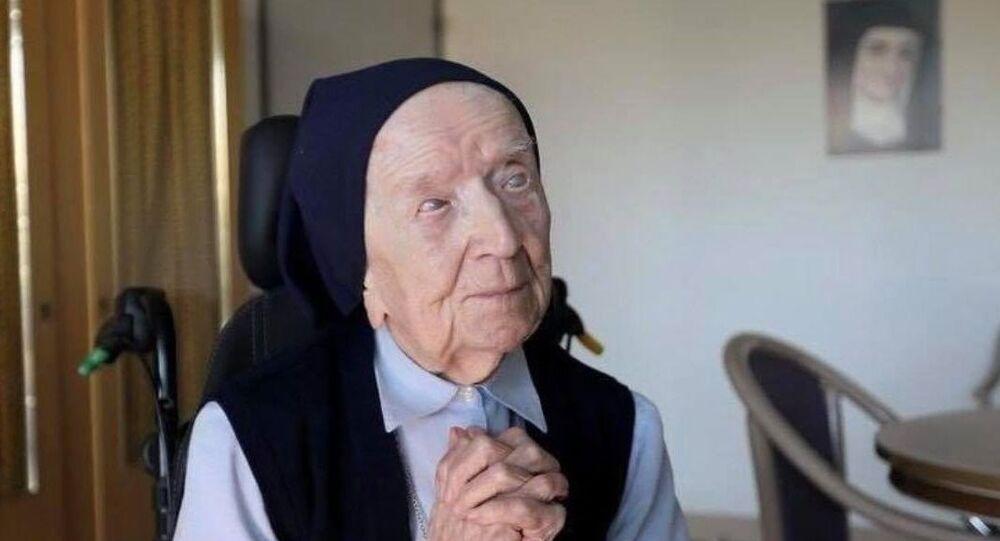 A francesa Lucile Randon, conhecida como irmã Andrée, de 116 anos, é a segunda pessoa mais velha do mundo