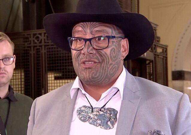 Co-líder do Partido Maori, Rawiri Waititi, fala em Wellington, Nova Zelândia, 9 de fevereiro de 2021