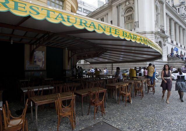 Fachada do Restaurante Bar Amarelinho, na Cinelândia, no Centro do Rio de Janeiro (RJ)