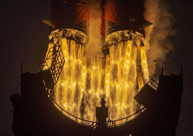 Lançamento da espaçonave russa Progress MS-16 em direção à Estação Espacial Internacional