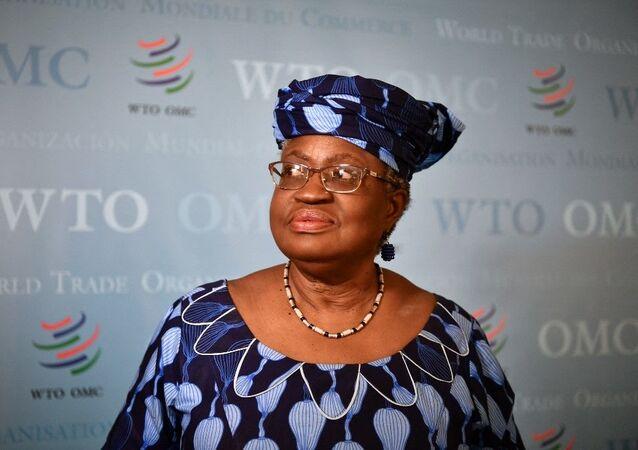 A nigeriana Ngozi Okonjo-Iweala é a primeira mulher e a primeira africana a liderar a Organização Mundial do Comércio.