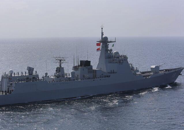 Navio de guerra da China participa de exercício Aman no mar Arábico, ao largo de Karachi, Paquistão, 15 de fevereiro de 2021