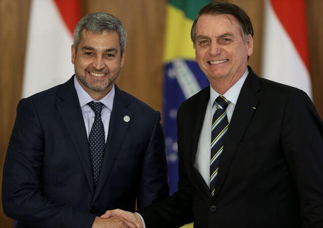 O presidente Jair Bolsonaro e o presidente do Paraguai, Mario Abdo Benítez, no Palácio do Planalto