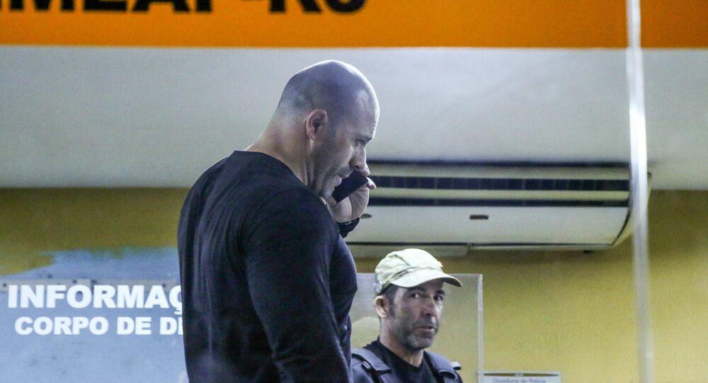 Deputado federal Daniel Silveira (PSL) chega ao IML do Rio de Janeiro (RJ) nesta quarta-feira (17) para fazer exame de corpo de delito após ser preso por determinação do ministro do STF, Alexandre de Moraes