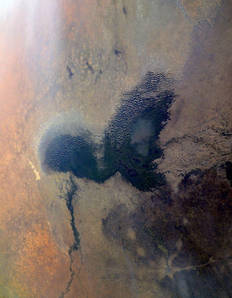 Lago Chade no continente africano, visto a partir da EEI por cosmonauta russo