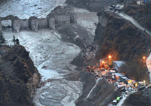 Vista aérea da barragem de Tapovan dois dias após rompimento da geleira no estado norte de Uttarakhand, Índia, 9 de fevereiro de 2021