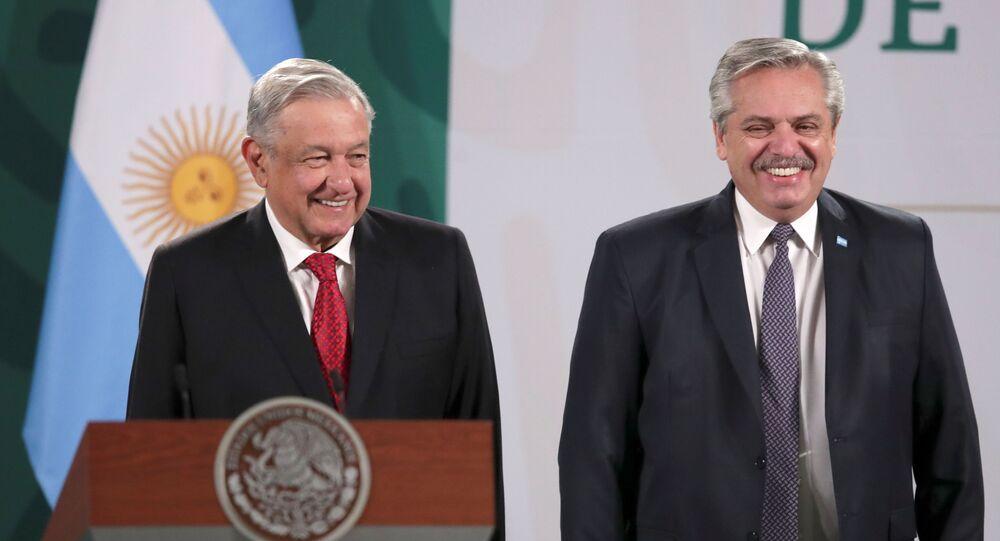 O presidente do México, Andrés Manuel López Obrador, recepcionou o presidente argentino Alberto Fernández em visita oficial na Cidade do México, dia 23 de fevereiro de 2021.