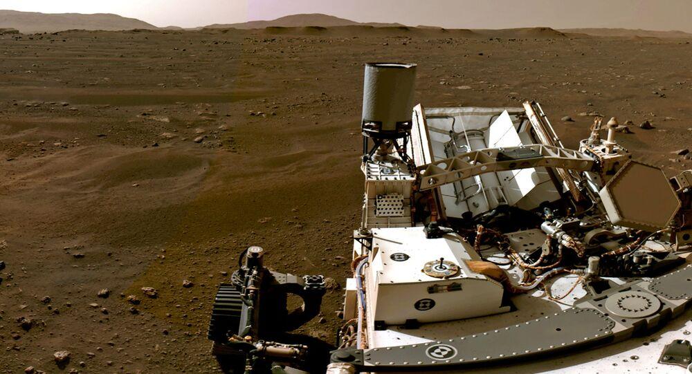 Parte do panorama de Marte feito com imagens individuais registradas pelas câmeras de navegação a bordo do rover Perseverance da NASA, 20 de fevereiro de 2021
