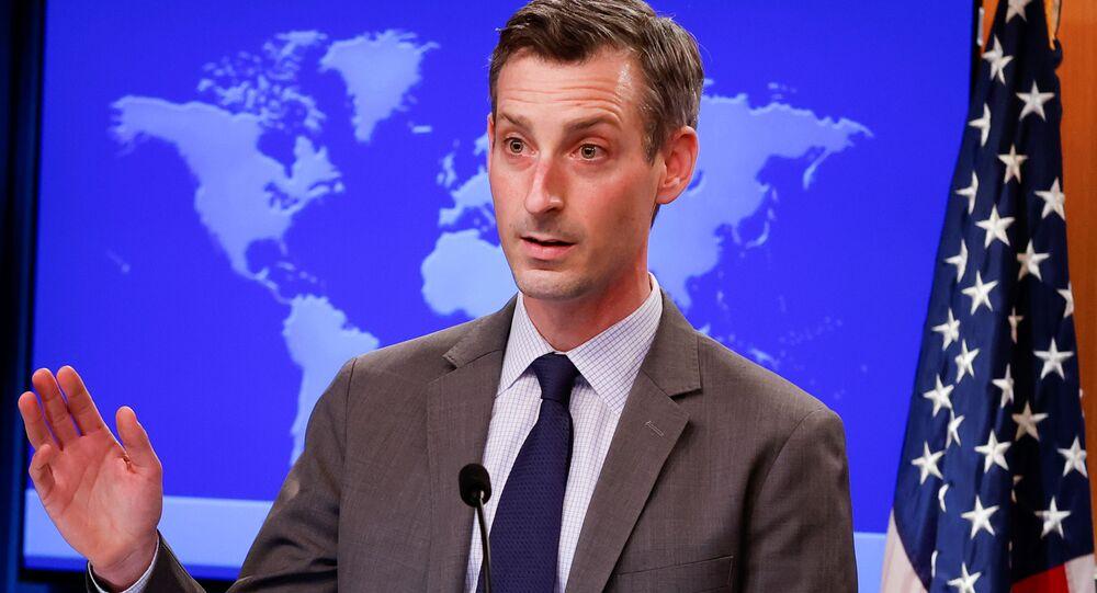 O porta-voz do Departamento de Estado, Ned Price, durante coletiva de imprensa.