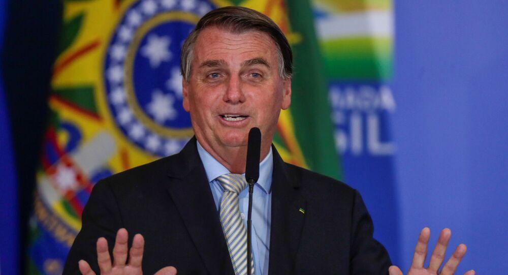 Presidente do Brasil, Jair Bolsonaro, discursa durante cerimônia no Palácio do Planalto, Brasília, 24 de fevereiro de 2021