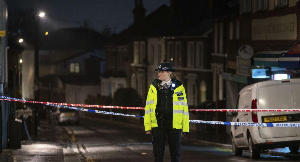 Polícia no sul de Londres, Reino Unido, em 6 de fevereiro de 2021