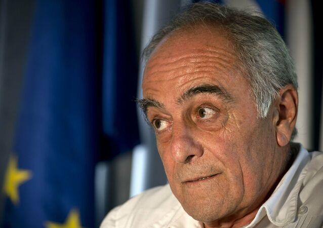 Em Havana, Alberto Navarro, o embaixador da União Europeia (UE) para Cuba, fala durante entrevista, em 23 de abril de 2019
