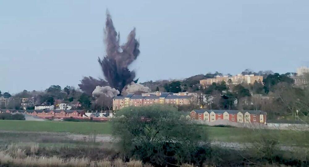 Detonação controlada de bomba da 2ª Guerra Mundial em Exeter, no Reino Unido