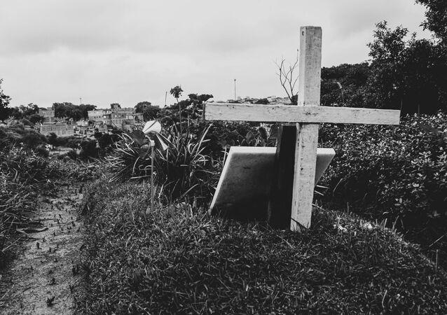 O cemitério de Vila Nova Cachoeirinha, na zona norte de São Paulo (SP), no dia em que o Brasil atingiu a marca das 250 mil mortes provocadas pela COVID-19, em 25 de fevereiro de 2021.