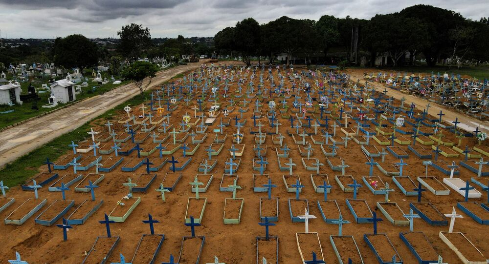 COVID-19: vista aérea do Parque Taruma, cemitério em Manaus, no Amazonas