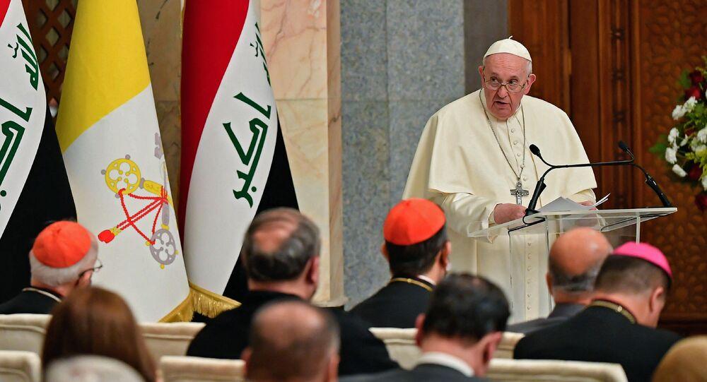 Papa Francisco realiza discurso no palácio presidencial de Bagdá