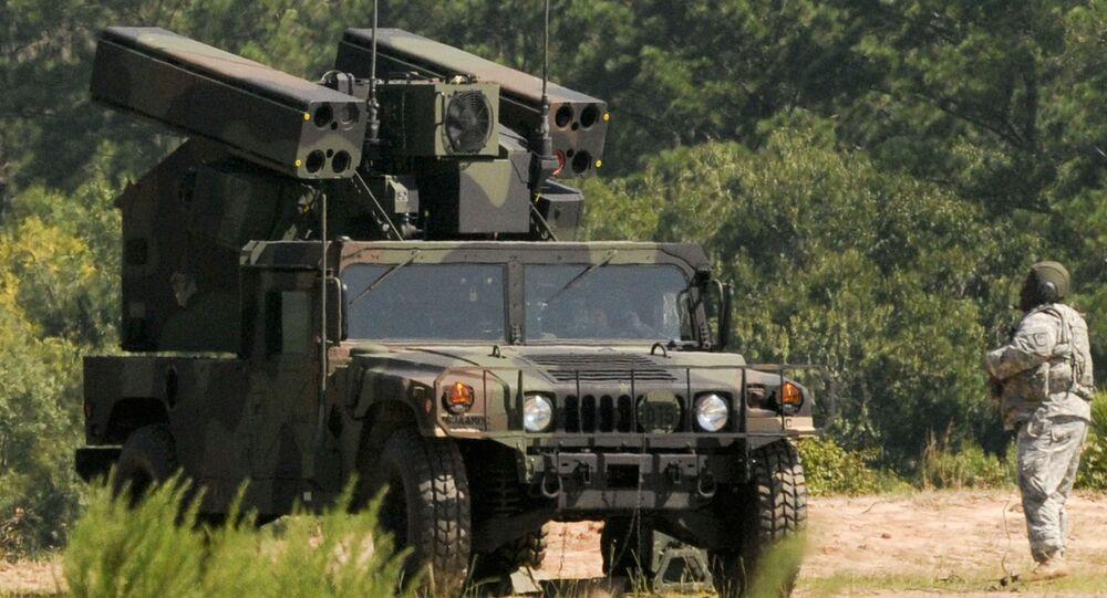 Sistemas móveis de defesa antiaérea de curto alcance AN/TWQ-1 Avenger