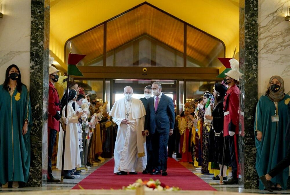 Papa Francisco durante o encontro com o primeiro-ministro do Iraque, Mustafa al-Kadhimi