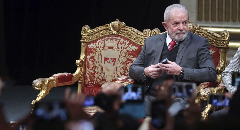 Ex-presidente Luiz Inácio Lula da Silva participa de evento em Paris em março de 2020