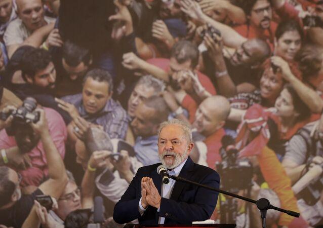 Ex-presidente Luiz Inácio Lula da Silva fala no Sindicato dos Metalúrgicos do ABC