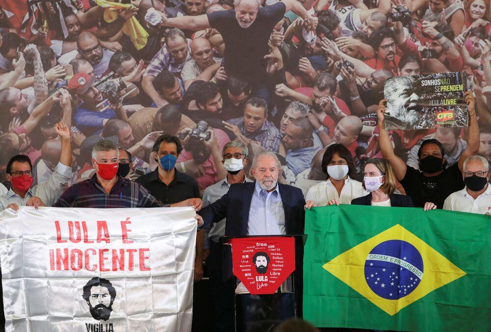 Ex-presidente do Brasil, Luiz Inácio Lula da Silva, durante conferência em São Bernardo do Campo, 10 de março de 2021