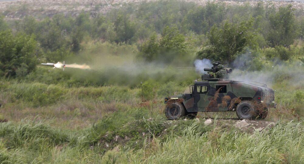 Míssil antitanque BGM-71 é disparado durante 36º exercícios militares Han Kung em Taiwan