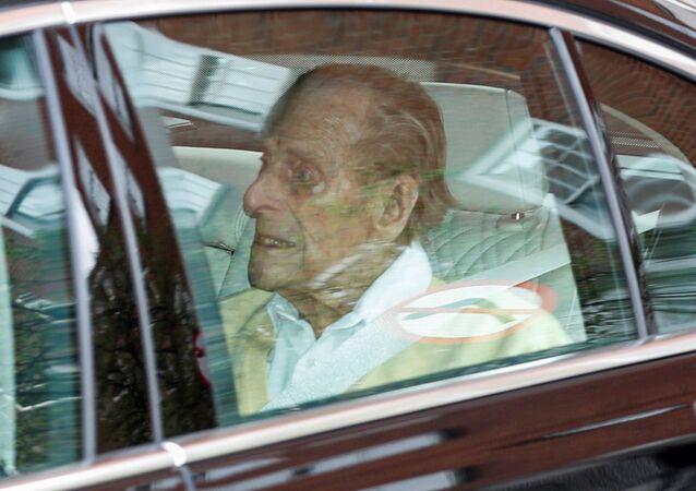 O príncipe Philip deixa o hospital após um mês de internação, em 16 de março de 2021