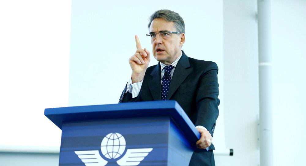 Diretor-geral e CEO da International Air Transport Association (IATA) Alexandre de Juniac fala durante o Global Media Day em Genebra, Suíça, 5 de dezembro de 2017.