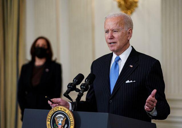 O presidente dos EUA, Joe Biden, fala sobre a resposta do país à pandemia da COVID-19, em Washington, EUA, 2 de março de 2021