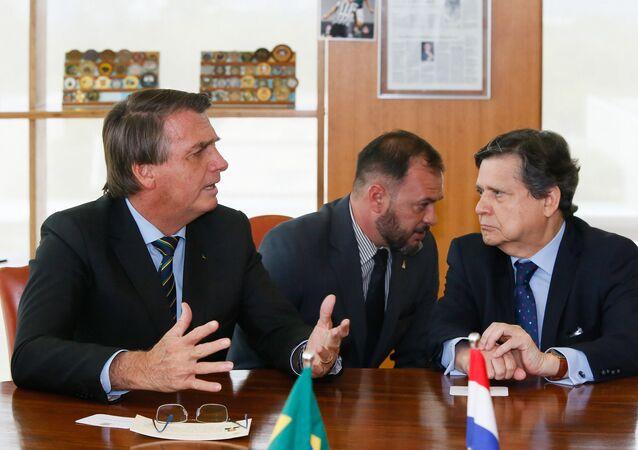 Presidente Jair Bolsonaro recebe visita do chanceler paraguaio Euclides Acevedo, no dia 17 de março de 2021.