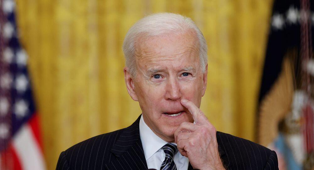 Presidente dos EUA, Joe Biden, discursa sobre a pandemia de COVID-19 na Casa Branca, Washington, EUA, 18 de março de 2021