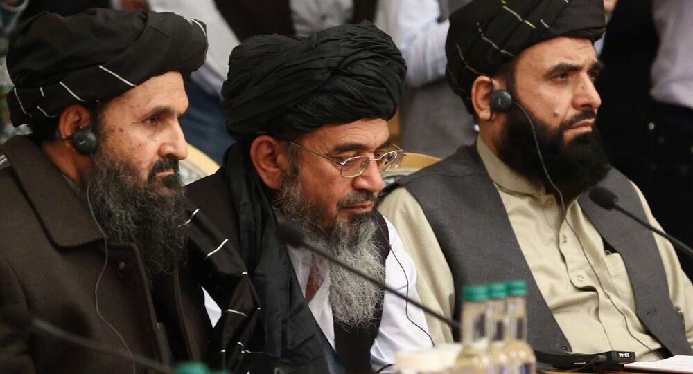 Representantes do movimento Talibã participam da conferência de paz em Moscou sobre a questão afegã, 18 de março de 2021