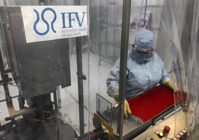 Laboratório do Instituto Finlay de Vacinas em Havana, Cuba, onde está sendo desenvolvido o imunizante contra a COVID-19 Soberana 02