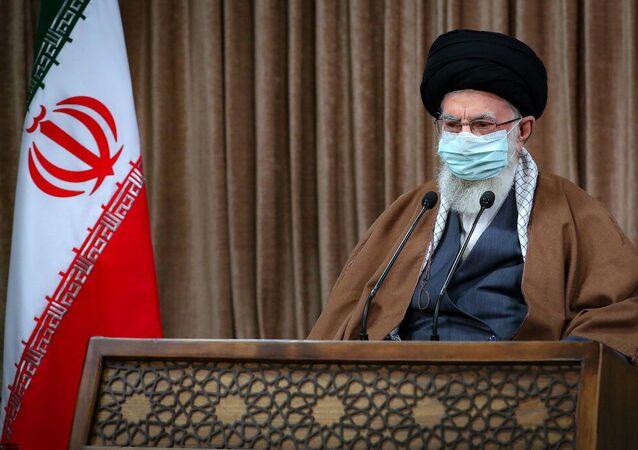 Aiatolá Ali Khamenei, líder supremo do Irã, discursa em Teerã, Irã, 11 de março de 2021