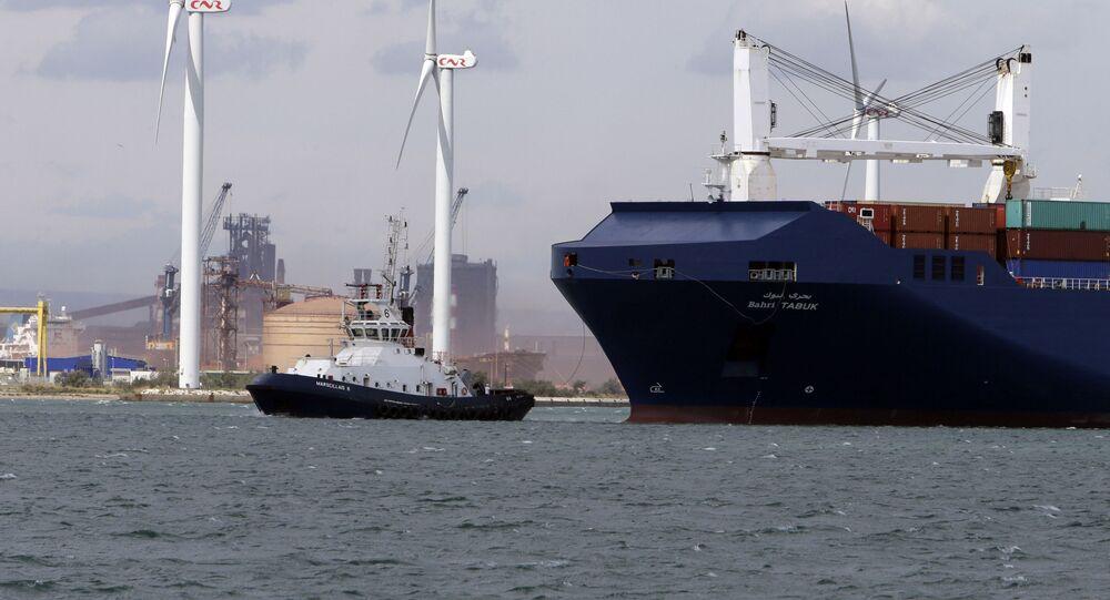 Navio de carga saudita Bahri Tabuk chega ao porto de Fos-sur-Mer, no sul da França, 28 de maio de 2019