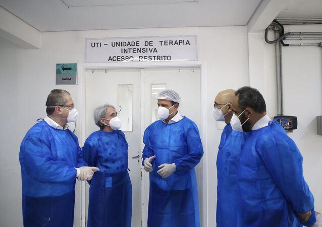 O governador do estado de São Paulo, João Doria, durante visita ao hospital de campanha de COVID-19 na zona norte da cidade, no dia 18 de março de 2021