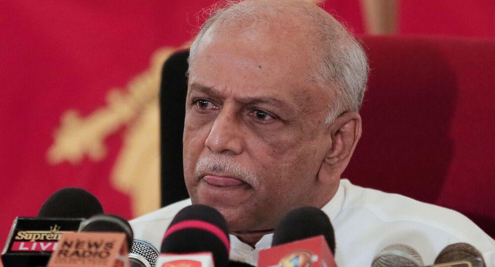 O Ministro das Relações Exteriores do Sri Lanka, Dinesh Gunawardena, em entrevista coletiva sobre resolução da ONU sobre crimes de guerra do Sri Lanka, no dia 23 de março de 2021