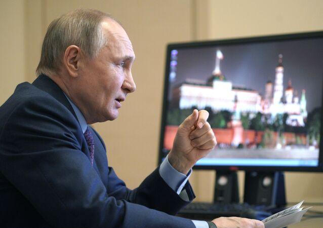 Presidente da Rússia realiza reunião sobre o aumento da produção de vacinas e vacinação da população do país, 22 de março de 2021