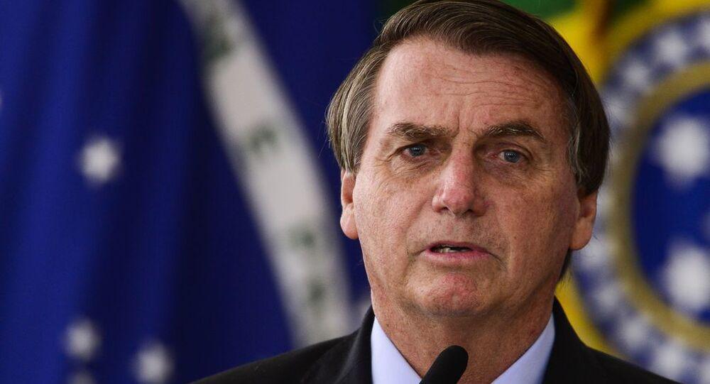 O presidente Jair Bolsonaro durante cerimônia para o anúncio de investimentos para o Programa Águas Brasileiras